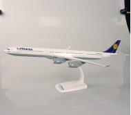 Модель самолета Airbus A340-600 Lufthansa Airlines  масштаб 1:200
